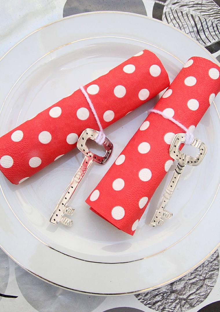 Pliage serviette papier c 39 est un coup de main adopter - Pliage serviettes en papier ...